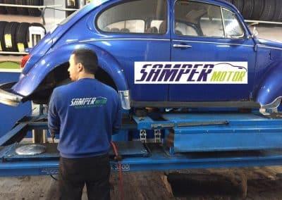 Cambio de neumáticos en Volkswagen Escarabajo